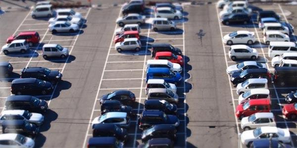 軽自動車は得?都会の駐車場事情と経費計算で見るベストチョイスは?
